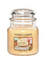 Yankee Candle Medium Jar Candle - Vanilla Cupcake