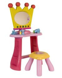 140 Advantage card points. Transform yourself into the perfect Princess withthePeppa Pig Dressing Table - complete with lights, sounds and lots of fun. FREE Delivery on orders over £40.