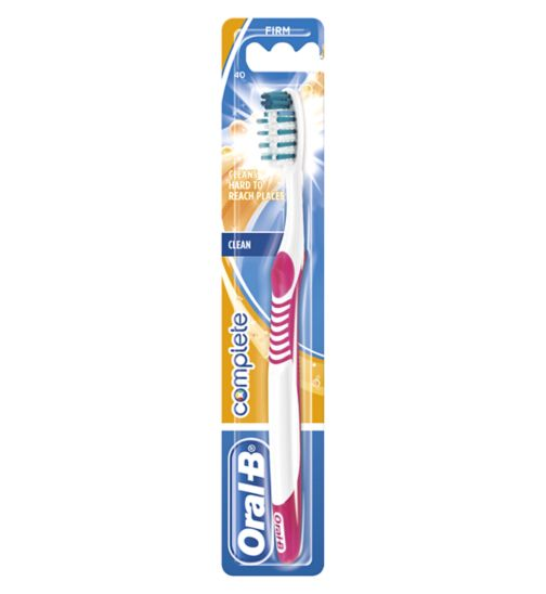 Oral B Advantage Firm Toothbrush 40 Compact
