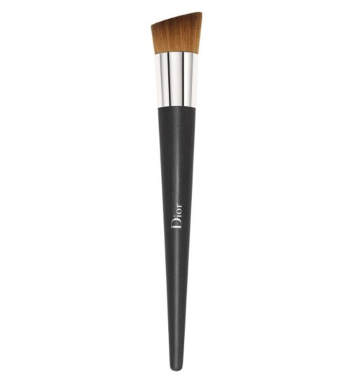 DIOR BACKSTAGE Professional Finish Fluid Foundation Brush - High Coverage