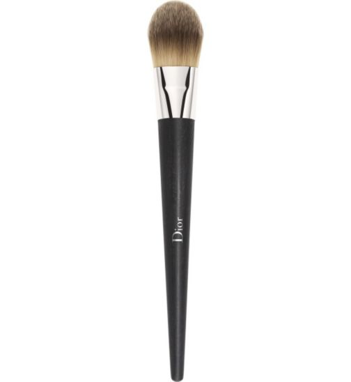 DIOR BACKSTAGE Professional Fluid Foundation Brush - Light Coverage