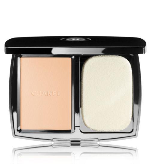 CHANEL VITALUMIÈRE COMPACT DOUCEUR Lightweight Compact Makeup SPF10