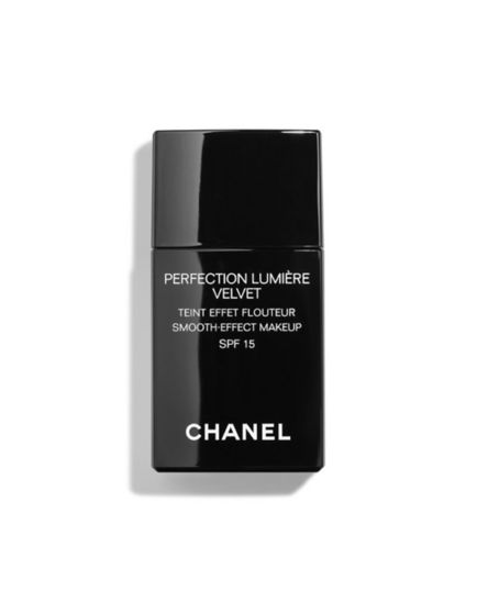 CHANEL PERFECTION LUMIÈRE VELVET Smooth Effect Makeup SPF 15
