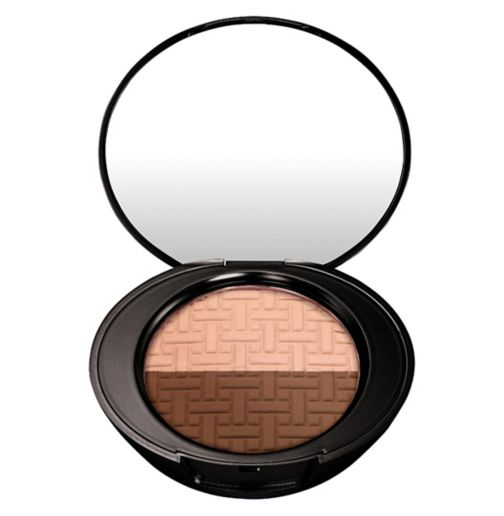 No7 Beautifully Defined Contour Kit Medium/Dark