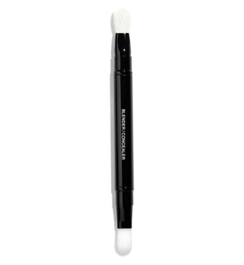 CHANEL  LES PINCEAUX DE CHANEL  Retractable Dual-Tip Concealer Brush