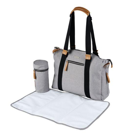 eb55fb16b8e5 changing bags   mats