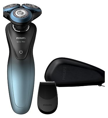 Image of Philips Smart Shaver Series 7000 Wet & Dry with a personal shaving plan S7930/16