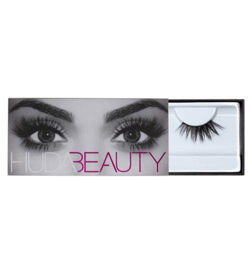Huda Beauty Eazy Lash - Camille 16